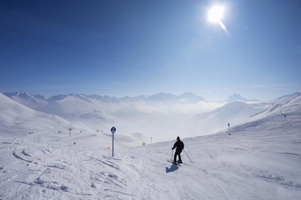 Tourist skiing, Ulmer Hutte, St. Anton Am Arlberg, Tyrol, Austria : Stock Photo