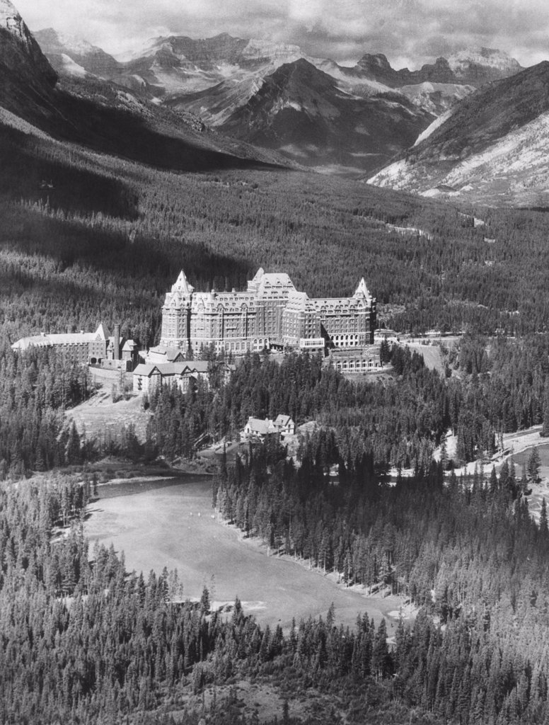 Stock Photo: 4048-1057 The Banff Springs Hotel in the Bow River Valley of the Canadian Rockies, Alberta, 1939