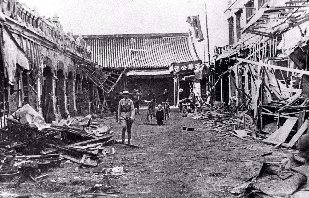Stock Photo: 4048-1082 STREET SCENE IN TAIYUAN