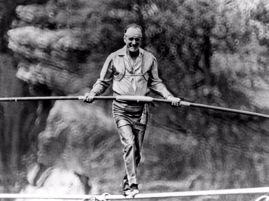 Founder of The Flying Wallendas, Karl Wallenda, (1905-1978),  tightrope walking across the Tallulah Gorge in Georgia, July 18, 1970. : Stock Photo