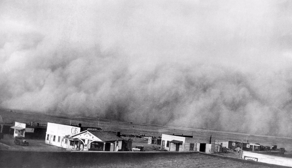 Stock Photo: 4048-1288 A dust storm hits Springfield, Colorado, 1936