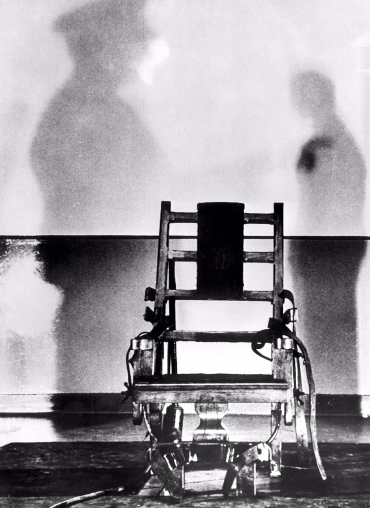 The electric chair that Julius and Ethel Rosenberg were executed in, Sing Sing Prison, 1953 : Stock Photo
