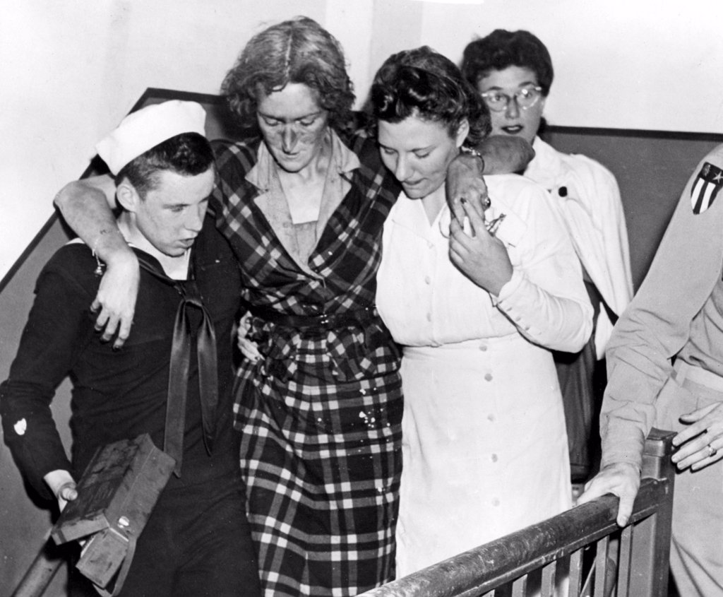 Stock Photo: 4048-1320 HERO OF EMPIRE STATE BUILDING DISASTER