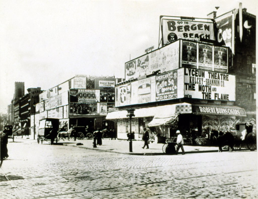 Stock Photo: 4048-1722 NEW YORK CITY, 1900, The corner of Broadway and 42nd Street, in Times Square.
