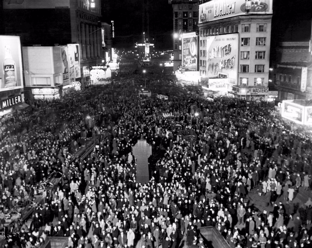 Stock Photo: 4048-1805 Thousands of people crowd Times Square awaiting the New Year, South from Duffy Square, New York City, December 31, 1945