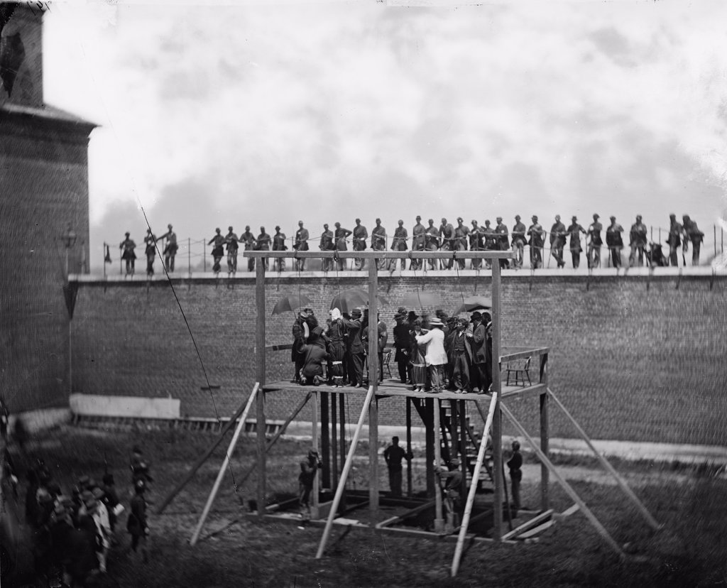 The assassination of President Abraham Lincoln, adjusting the ropes for hanging the conspirators, Washington DC, photograph by Alexander Gardner, July 7, 1865. : Stock Photo