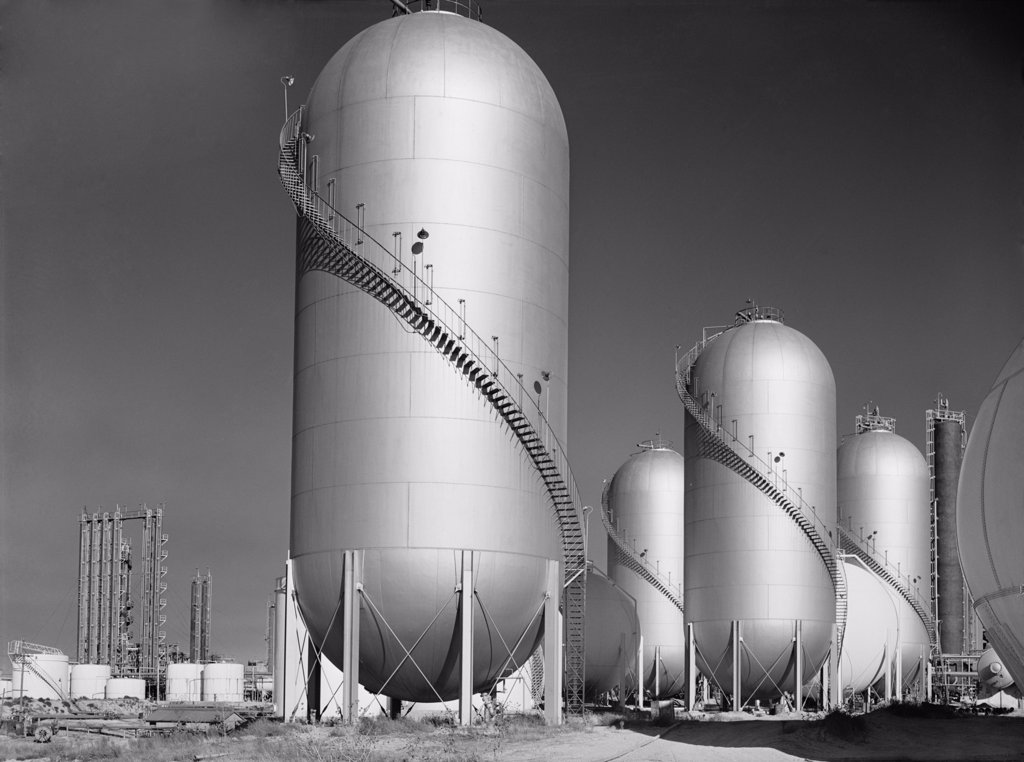 Stock Photo: 4048-7061 Phillips Petroleum Company gasoline storage tanks in Borger, Texas. 1942.