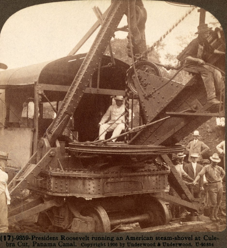 Stock Photo: 4048-7636 President Roosevelt running an American steam-shovel at Culebra Cut, Panama Canal, on November 30, 1906.