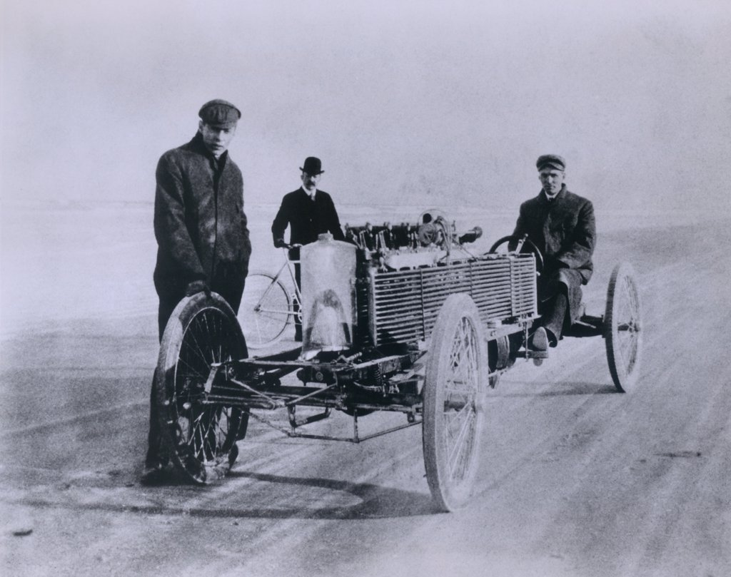 Henry Ford and August Degener with their six cylinder Ford racer at Daytona Beach in 1905. : Stock Photo