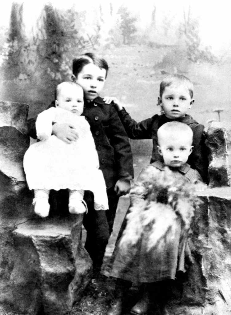 Four Eisenhower Brothers in 1893. Eisenhower Boys. L-R: Roy, Arthur, Edgar, and Dwight. : Stock Photo