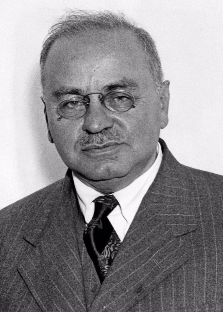 Stock Photo: 4048-909 Alfred Adler, psychologist, 1937