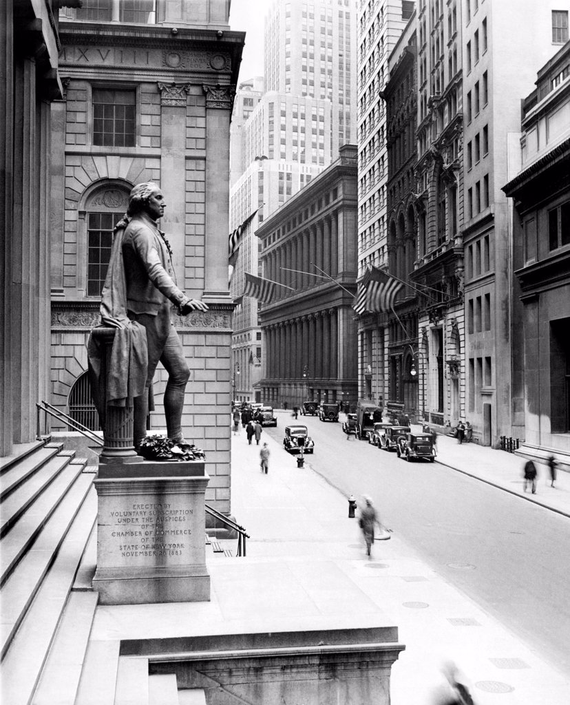 Stock Photo: 4048-9597 Wall Street is virtually deserted in front of the US Sub-treasury building, following Governor Herbert Lehman's proclamation that all banking transactions in the state are being suspended for two days. March 4, 1933.
