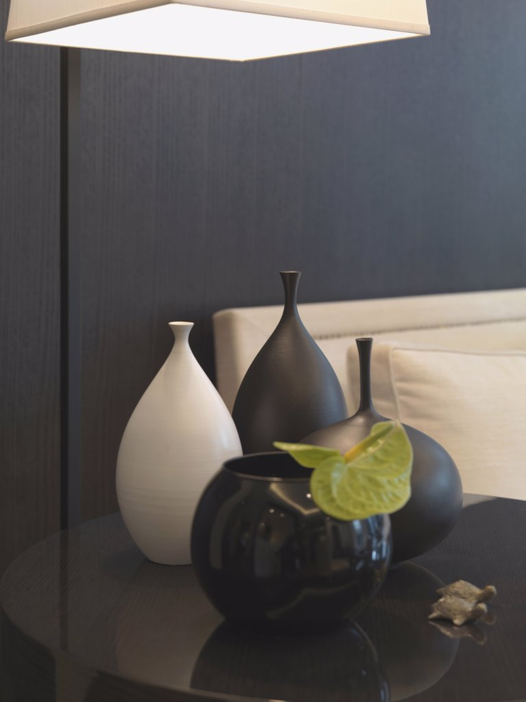 Stock Photo: 4053-7558 Collection on vases on end table