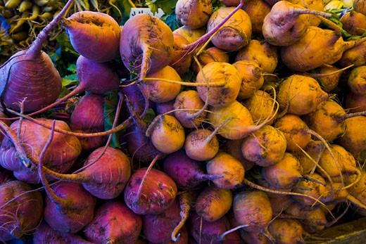 Beets, Organic Produce at the Culver City Farmer's Market Los Angeles County, California, USA : Stock Photo