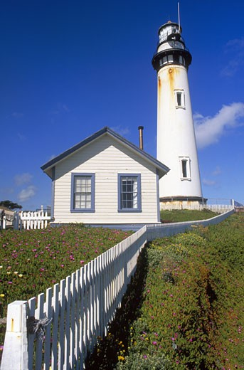 Pigeon Point Lighthouse (1872), Pigeon Point Light Station State Historic Park, San Mateo County, California (CC) : Stock Photo