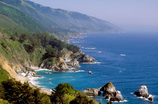 Mountains rise from the Pacific Ocean along Big Sur coastline, Monterey County, California (CC) : Stock Photo