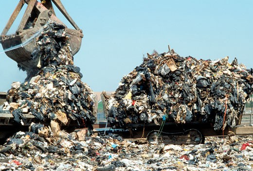 The Fresh Kills landfill in Staten Island in New York. (© Richard B. Levine) : Stock Photo