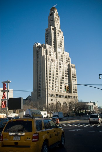 The Williamsburgh Savings Bank building, the tallest building in Brooklyn in New York is seen on January 23, 2010. The building is now a condo named One Hanson Place with landmark status. (© Richard B. Levine) : Stock Photo