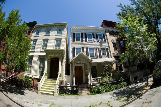 Wooden houses in the Fort Greene neighborhood of Brooklyn on Saturday, July 3, 2010.  (© Frances M. Roberts) : Stock Photo