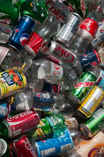 Discarded beverage containers awaiting sorting and recycling are seen in New York on Tuesday, September 13, 2011. (© Richard B. Levine) : Stock Photo