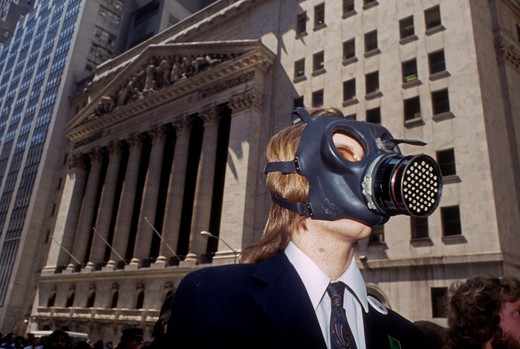 Environmental activists protest the state of the planet on Wall Street in New York in April 1990. (© Frances M. Roberts) : Stock Photo
