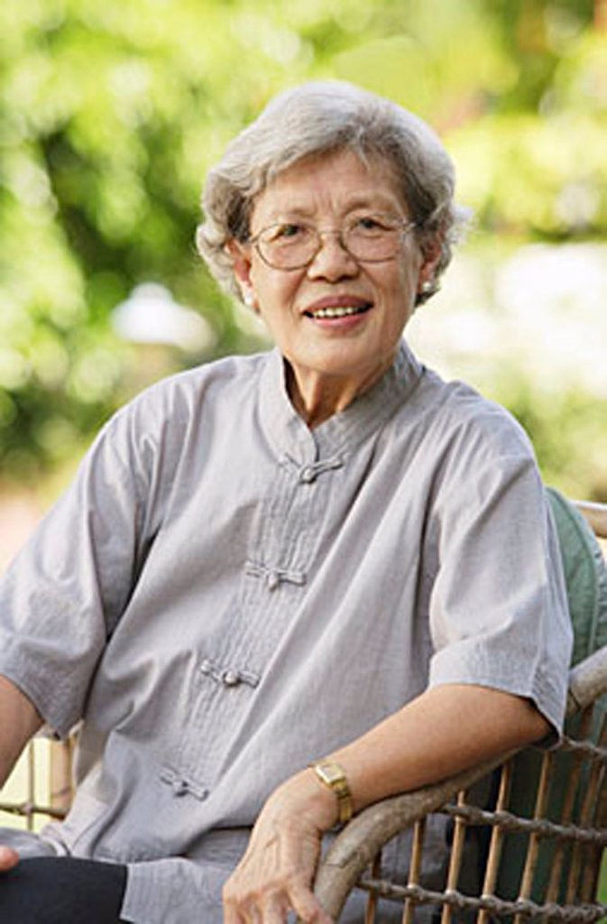 Stock Photo: 4065-13081 Portrait of senior woman, smiling at camera