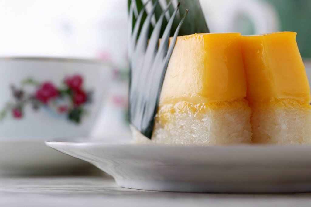 close up of mango and rice Peranakan dessert on a plate : Stock Photo