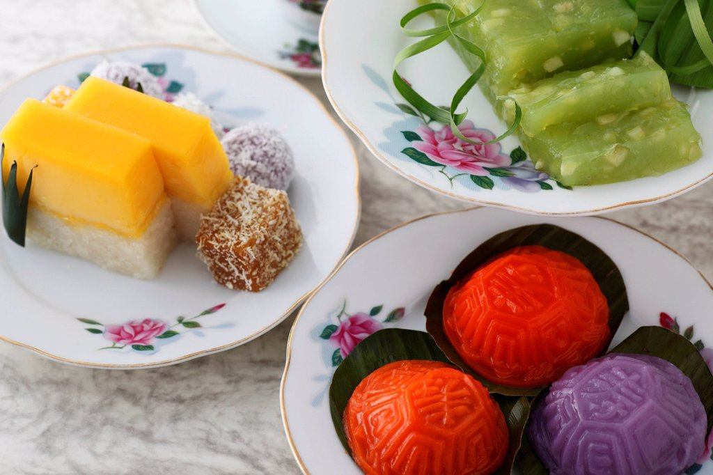 Assortment of traditional Peranakan desserts. : Stock Photo