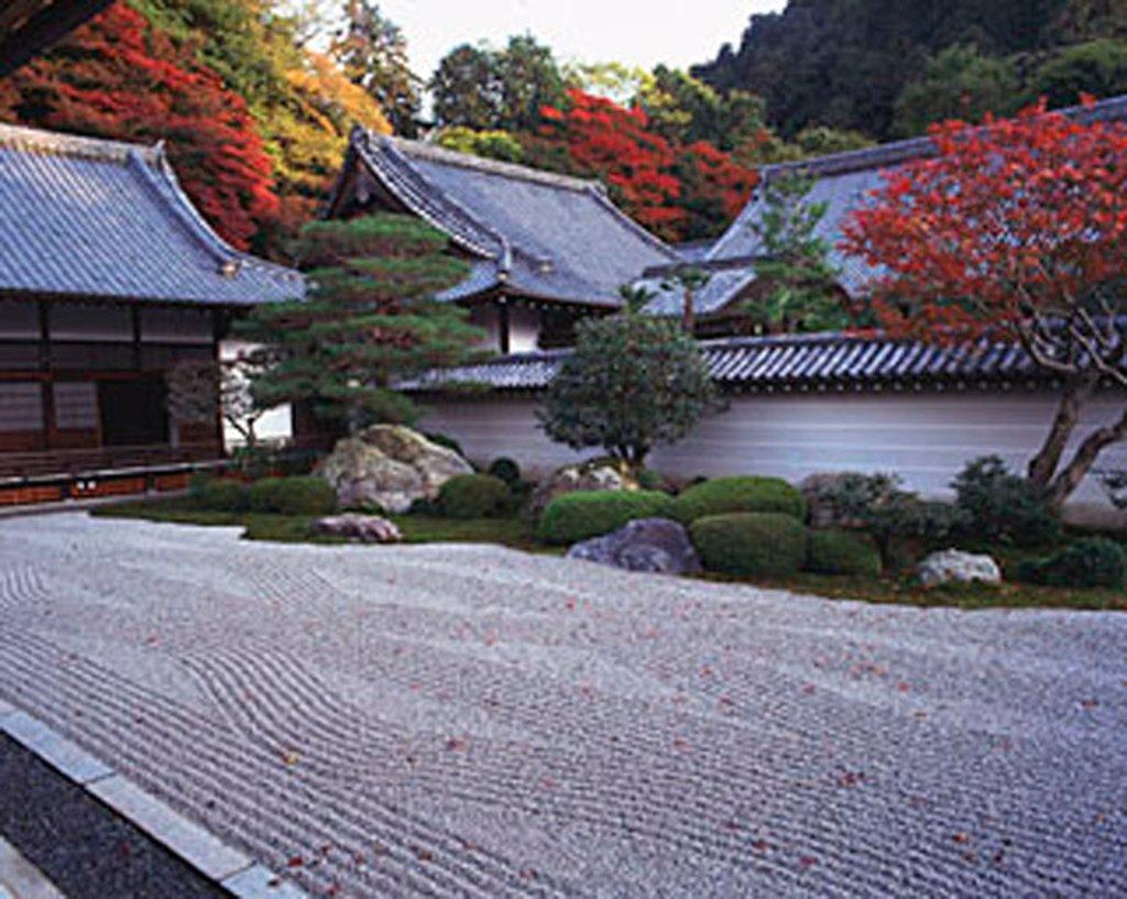 Stock Photo: 4065-3350 Japan, Kyoto, Nanzen-ji, dry zen garden dating to 1600