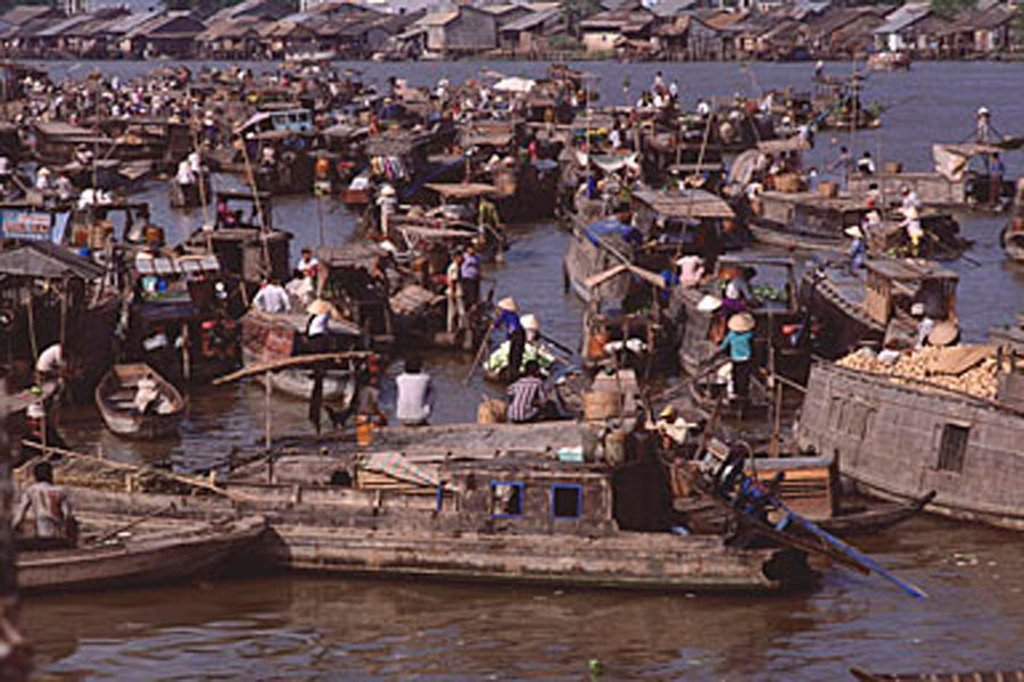 Stock Photo: 4065-3657 Vietnam, Can Tho, Hau river, Floating market.