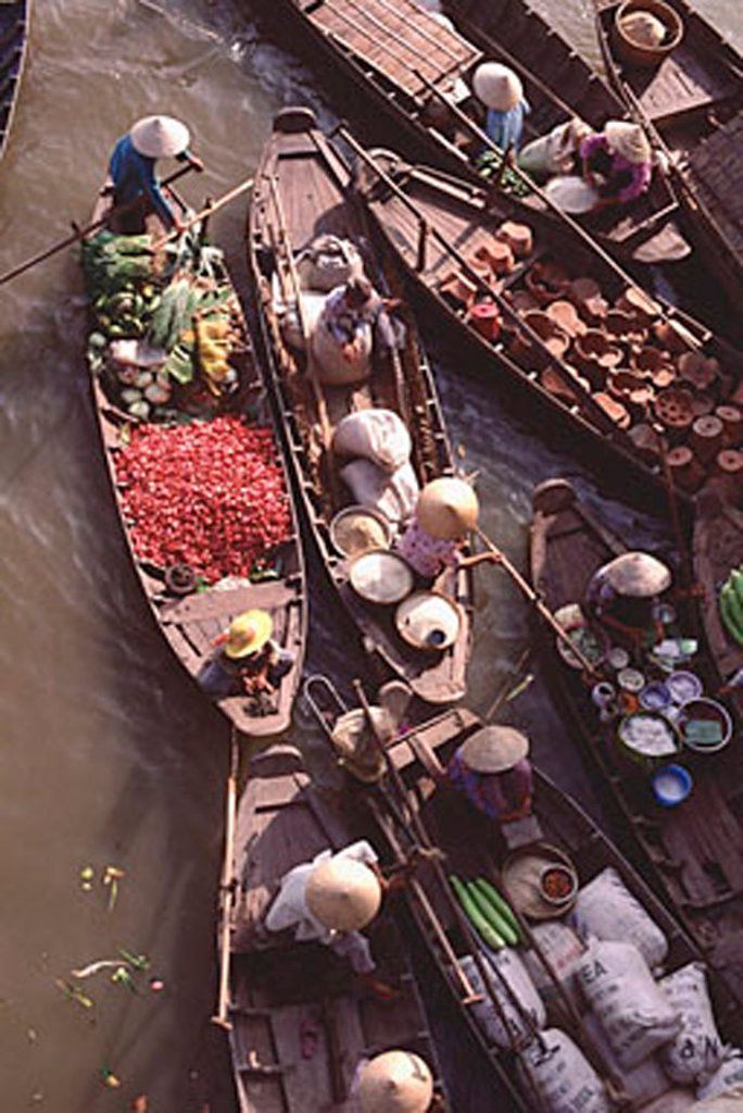 Stock Photo: 4065-8122 Vietnam, Can Tho, Hau river, Vegetables sellers, floating market.