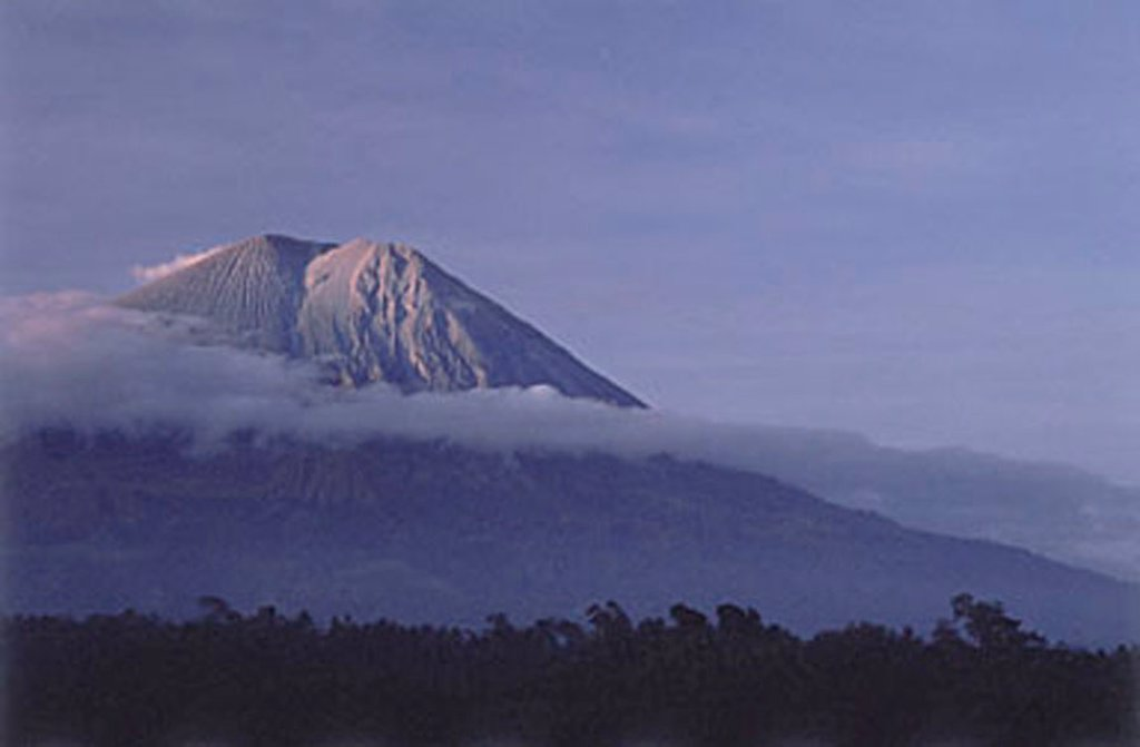 Stock Photo: 4065-9707 Indonesia, Java, Semeru Volcano