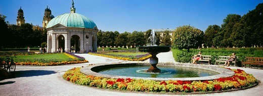 Stock Photo: 4073-2011 Fountain and Diana pavilion in the Court Garden, Munich, Bavaria, Germany