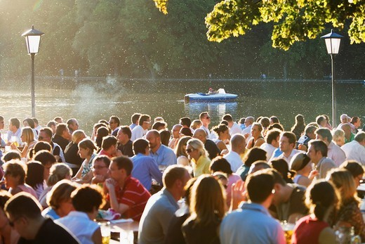 Stock Photo: 4073R-4301 Large group of people in Seehaus beer garden, English Garden, Munich