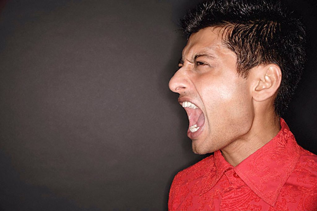 Man screaming, head shot : Stock Photo