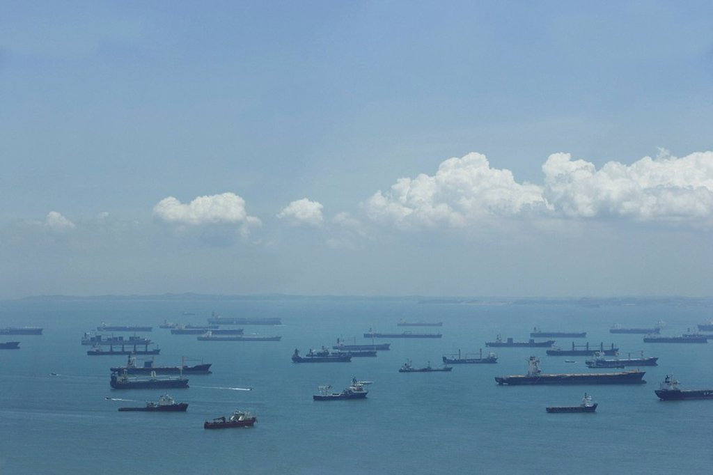 Stock Photo: 4079R-5548 Ships in Singapore port in the morning