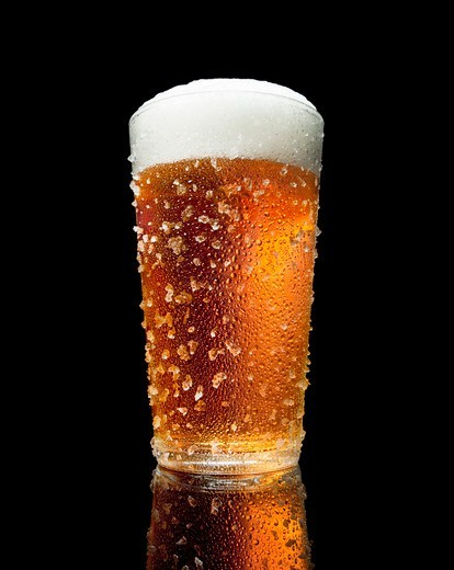 Stock Photo: 4084R-2108 Glass of Beer With Condensation and Ice