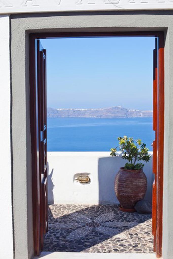 Stock Photo: 4089-229 Sea viewed through doorway, Oia, Santorini, Cyclades Islands, Greece
