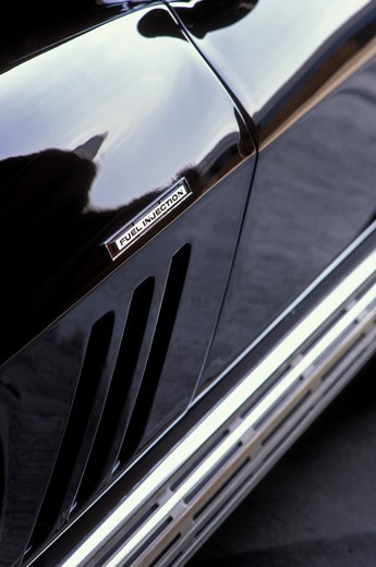 detail Corvette Sting Ray 1965 1960s black fuel injection side exhaust air intake vents : Stock Photo