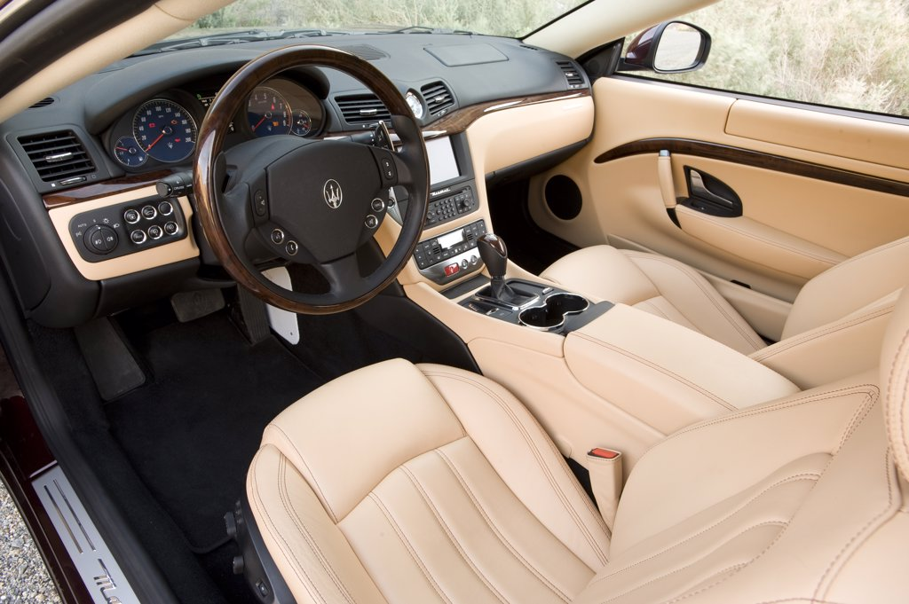 2008 Maserati GranTurismo interior : Stock Photo
