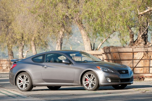 Stock Photo: 4093-14495 2010 Hyundai Genesis Coupe 2.0T front 7/8