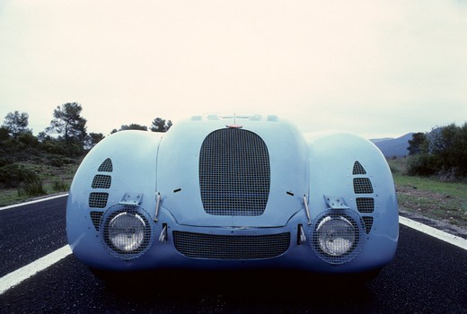 Bugatti Type 57 tank beauty nose front detail. In 1936 the famous Type 57 G (a lightened S chassis) with streamlined Tank bodywork won the French Grand Prix. A year later a similar car won the Le Mans 24-hour race. : Stock Photo