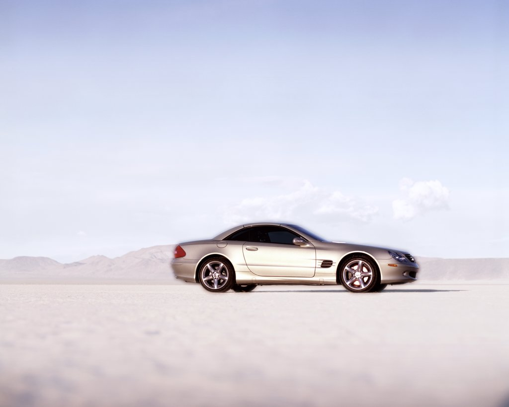 Mercedes Benz SL500 SL-Class 2003 silver dry lake bed : Stock Photo