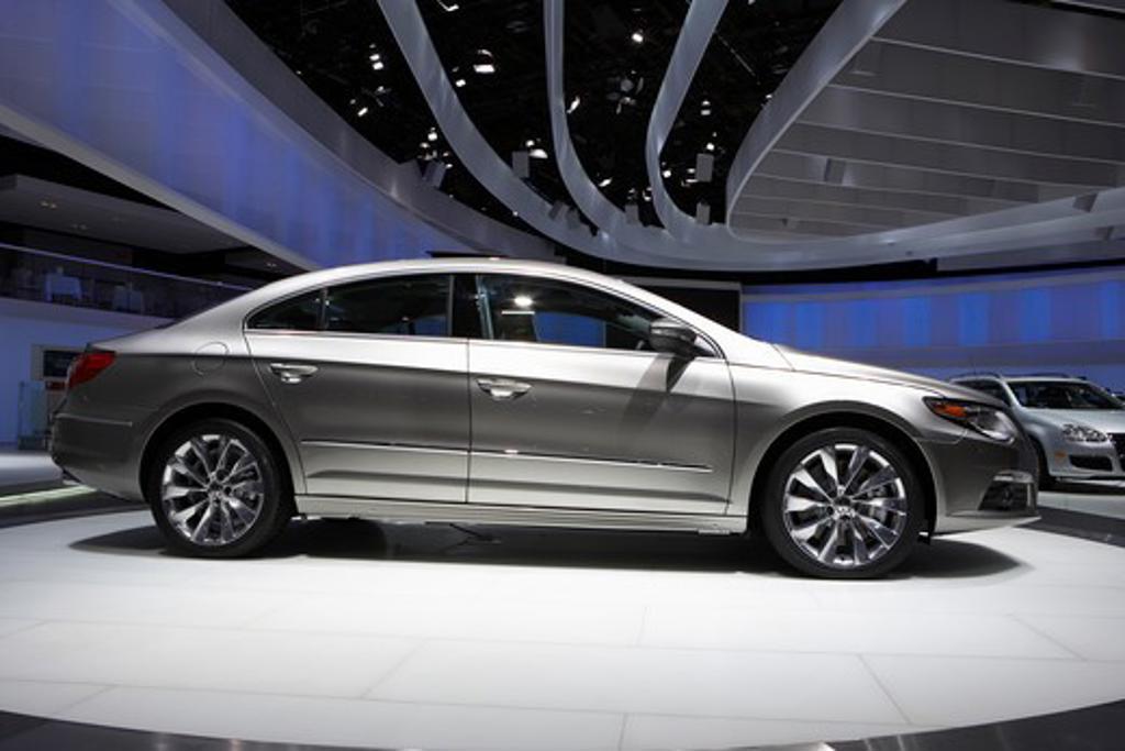 2009 Volkswagen Passat CC Detroit Auto Show : Stock Photo