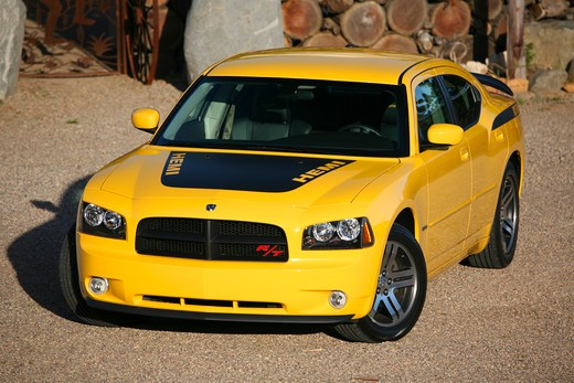 Stock Photo: 4093-23280 2007 Dodge Hemi Charger Daytona Yellow