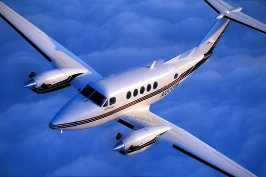 Turboprop Raytheon Prop Fixed Wing Aviat Airplanes Beech B200 King Air charter sky : Stock Photo