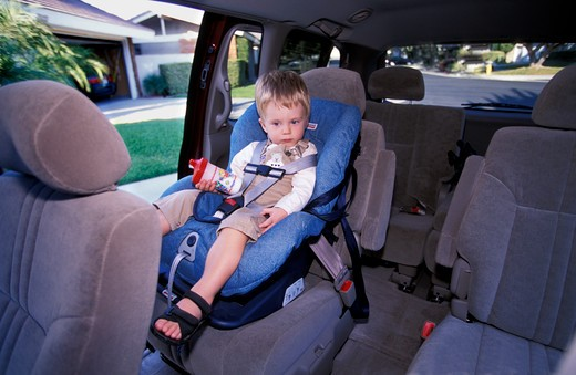 Stock Photo: 4093-4073 interior detail Toyota Mini Sienna LE 2001 back seat child safety kid boy baby danger hazard