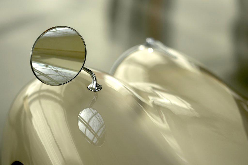 detail Jaguar XK120 fender mirror : Stock Photo