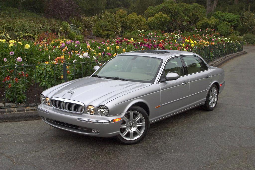 2006 Jaguar XJ8 silver : Stock Photo