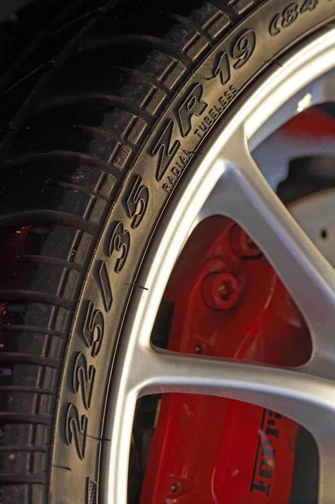 Stock Photo: 4093-4867 detail Italian Manufacturers European Manufacturers 2006 Ferrari F430 Spider wheel
